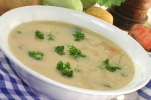 Kerrie-koolsoep (cabbage curry soup)