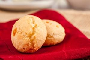 Brazilian pao-de-quejo recipe