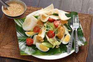 Dutch-Indoenesian recipe for gado gado